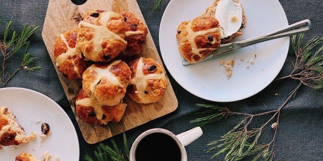 Πασχαλινά Γλυκά Ψωμάκια (Hot Cross Buns) - Images