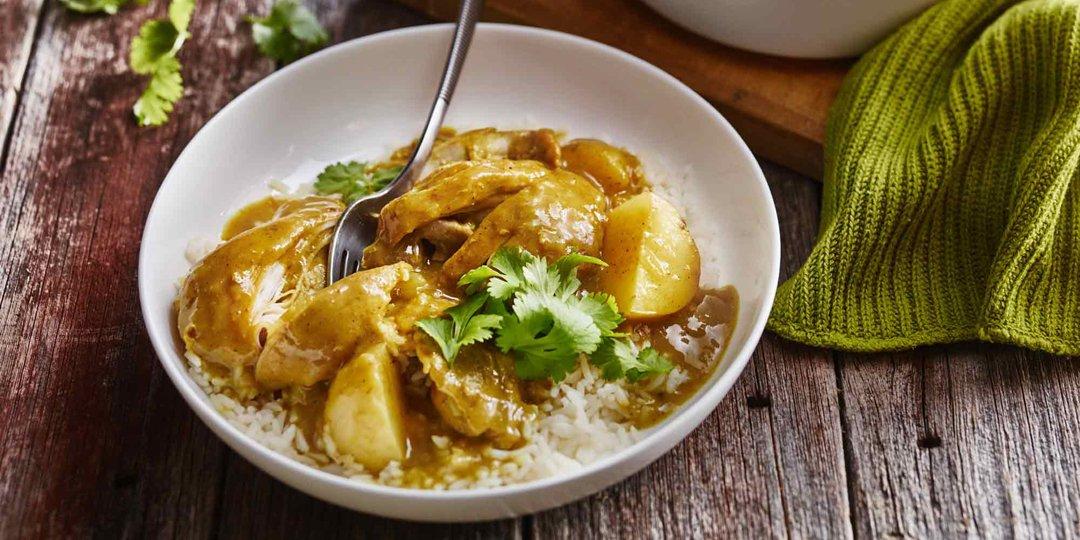 Κοτόπουλο curry με πατατούλες  - Images