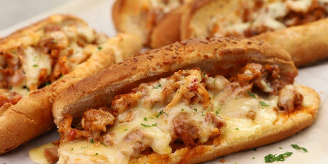 Sandwich με κοτόπουλο κοκκινιστό - Images