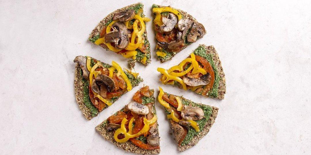 Πίτσα με πέστο από σπανάκι και λαχανικά - Images
