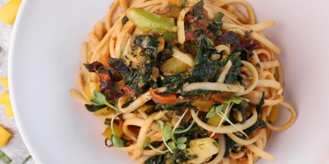 Λιγκουίνι με σπανάκι και λαχανικά - Images