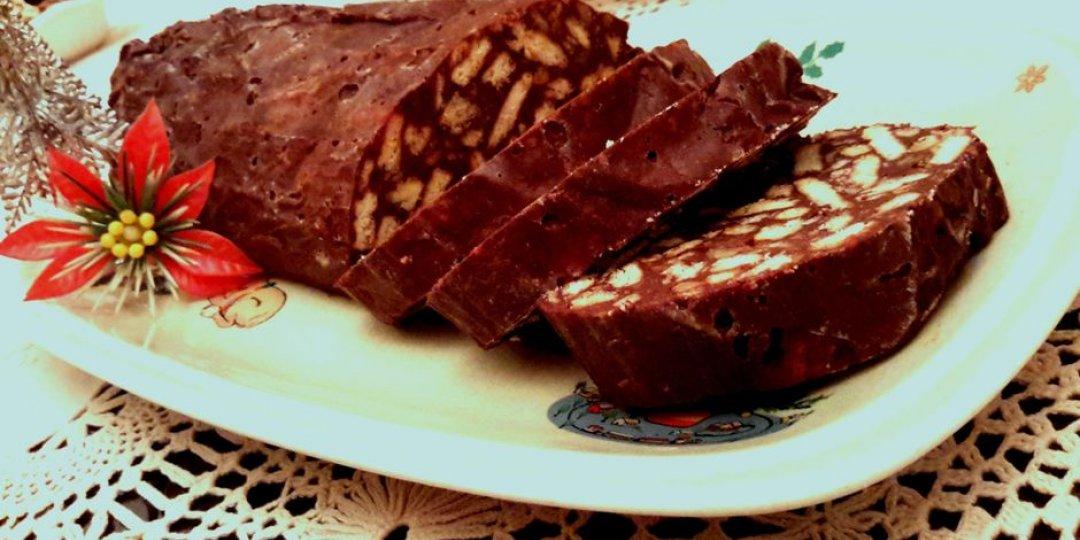 Μωσαϊκό με μαύρη σοκολάτα, καρύδια και δαμάσκηνα - Images