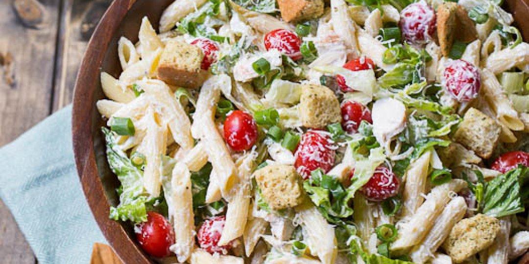Σαλάτα του Καίσαρα με pasta  - Images