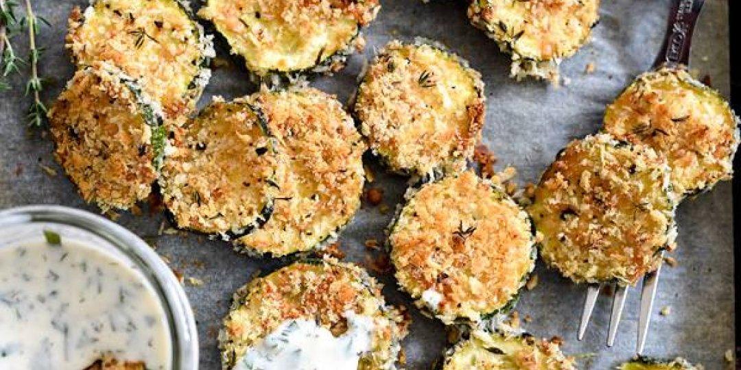 Μελιτζάνες φούρνου με σάλτσα ντομάτας, ζαμπόν και τυριά - Images
