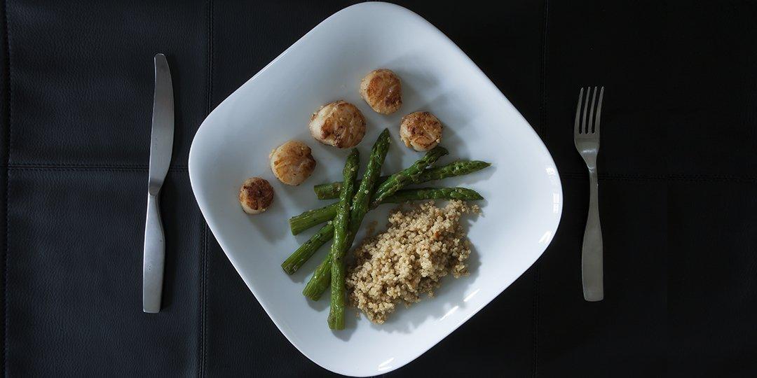 Χτένια με σπαράγγια και quinoa   - Images