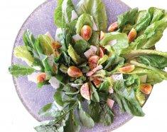 Περιζήτητη πράσινη σαλάτα με φρέσκα σύκα - Images