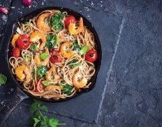 Σαλάτα με noodles ρυζιού και ντρέσινγκ με σόγια Exotic Food  - Images