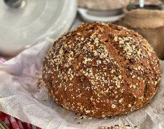 Τραγανό ψωμί χωρίς ζύμωμα με αλεύρι ολικής και ξηρούς καρπούς - Images