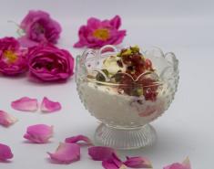 Παγωτό μαστίχα με Γλυκό Τριαντάφυλλο Αγρού (Π.Γ.Ε.) - Images