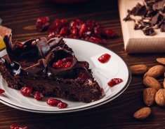 Κέικ σοκολάτας με κρέμα γάλακτος  - Images