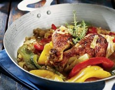 Κοτόπουλο με πιπεριές και μπύρα  - Images