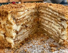 Ρωσικό κέικ με καραμελωμένο μέλι (Medovik) - Images