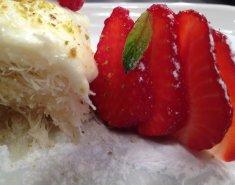 Κανταΐφι με κρέμα μαστίχας και φράουλες - Images