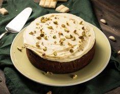 Λαχταριστό κέικ με φυστίκια Αιγίνης και frosting λευκής σοκολάτας - Images