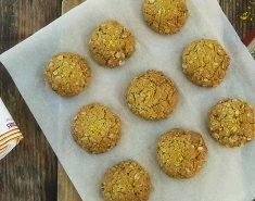 Μπισκότα βρώμης με πιπερόριζα και ξύσμα λεμονιού   - Images