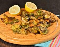 Ανάμεικτα μανιτάρια σε φρέσκα βότανα και σκόρδο - Images