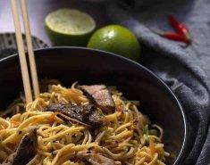 Noodles με μοσχάρι - Images