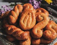 Παραδοσιακά πασχαλινά κουλουράκια βουτύρου - Images