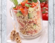 Σαλάτα με κινόα, ντομάτα και αγγούρι  - Images