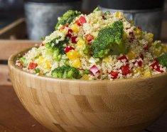 Σαλάτα με κινόα - Images