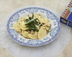 Ραβιόλες με μανιτάρια, σπαράγγια και σάλτσα από βούτυρο και λεμόνι - Images