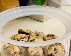Μπισκότα (χωρίς γλουτένη) με ταχίνι και κομμάτια σοκολάτας  - Images