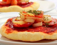 Pizzette με κίτρινες πιπεριές και κάπαρη - Images