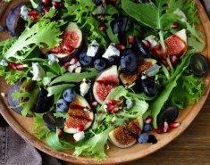 Σαλάτα με σύκα και μπλε τυρί  - Images