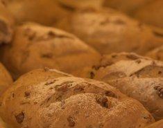 Ψωμί ολικής αλέσεως με μέλι και καρύδια  - Images