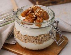 Παρφέ με γιαούρτι αμυγδάλου, μήλο και βρώμη - Images